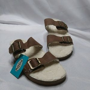 NWT Sherpa Footbed Sandals 9 Cognac